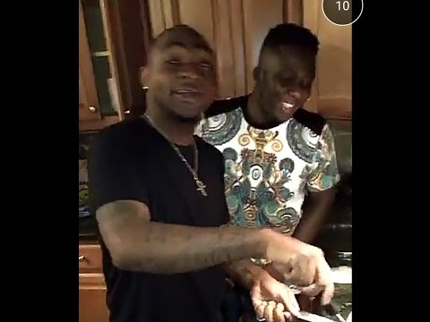 Davido Shows Off His Cooking Skills In The Kitchen (Video)