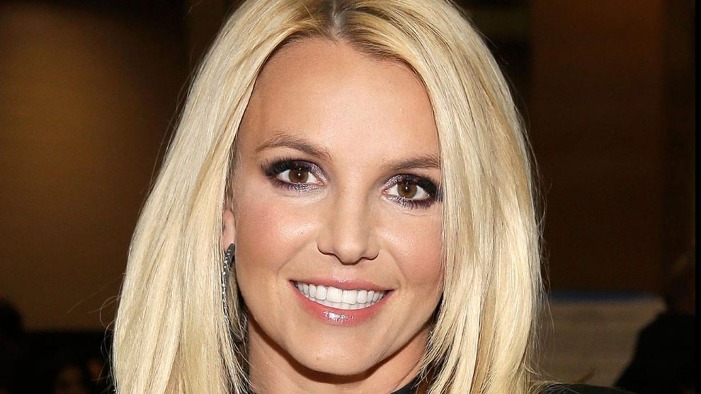 Britney Spears – Clumsy Lyrics