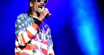 snoop-dogg-asks-drake-to-help-him-move-to-canada